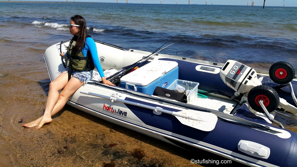 Honda Honwave T38 IE Inflatable Boat Chilling Out